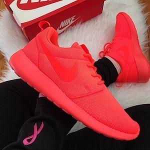 NEW Nike Rare Roshe One Women's Sneakers